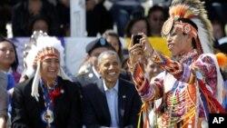Президент США Барак Обама и американские индейцы (архивное фото)