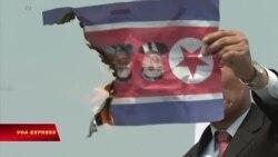 Một số người biểu tình phản đối hội nghị thượng đỉnh Kim-Moon