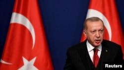 Perezida wa Turukiya Recep Tayyip Erdogan mu kiganiro hamwe n'umushikiranganji wa mbere wa Hongrie, i Budapest, Hungary, Itariki 07/11/2019