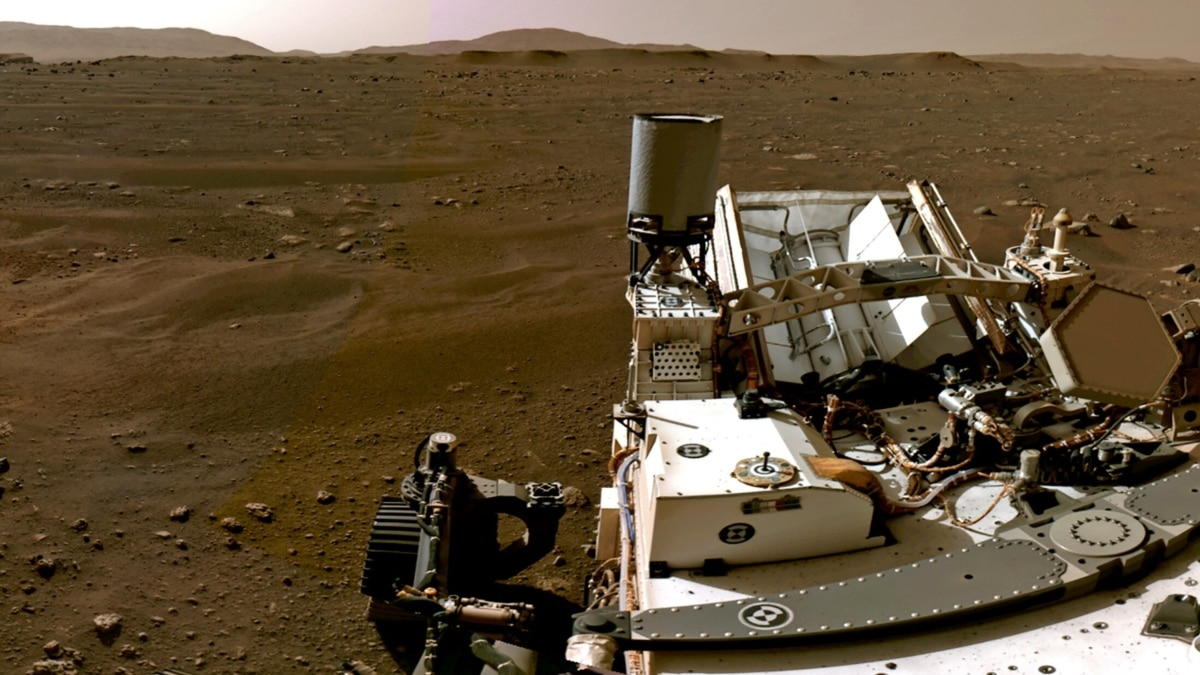 NASA Releases First Video and Color Photos from Mars Explorer