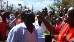 Beira Mayor Sets Example for Cholera Prevention