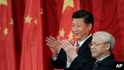 Chủ tịch Tập Cận Bình và Tổng bí thư Nguyễn Phú Trọng khi nhà lãnh đạo Trung Quốc thăm Việt Nam cuối năm 2015.