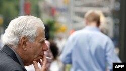 Qyteti i Nju Jorkut ndalon pirjen e duhanit në vende publike