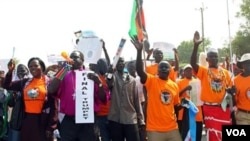 Warga Sudan Selatan melakukan unjuk rasa di ibukota Sudan selatan, Juba mendukung kemerdekaan, Kamis 9 Desember 2010.
