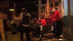 سازی که صدای ویژه موسیقی رقص تانگو را به آن داده است، در خطر انقراض است