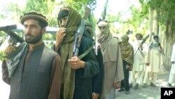 نیویارک تایمز - بررسی انحلال ملیشه های مسلح در شمال افغانستان