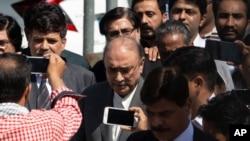 Ali Zardari avuye mu rukiko