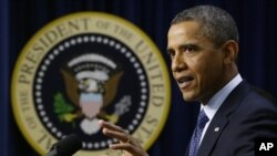 President Barack Obama kap di nan Mezon Blanch lan nan ki pwen negosyasyon Falèz Fiskal la ye lendi 31 desanm 2012 la