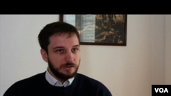 Nikola Burazer, Centar savremene politike