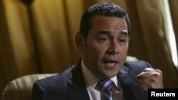 Jimmy Morales es uno de los presidentes mejor pagados de la región, con un salario mensual de más de $20.000 dólares.