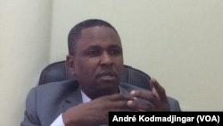 Daouda El-Hadj Adam, secrétaire-général de l'ADC, au Tchad, le 17 avril 2020. (VOA/André Kodmadjingar)
