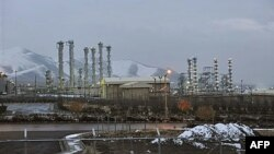Suasana di sekitar pusat reaktor nuklir Iran di kota Arak (foto: dok).