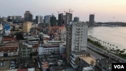 Baixa de Luanda com vista para a marginal. Angola