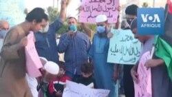 Des manifestants libyens brûlent des portraits d'Emmanuel Macron