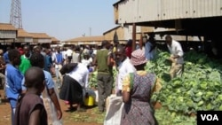 The future looks bleak for vendors in Zimbabwe's cities and towns. (File Photo)