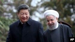 伊朗总统鲁哈尼欢迎到访的中国国家主席习近平(2016年1月23日)