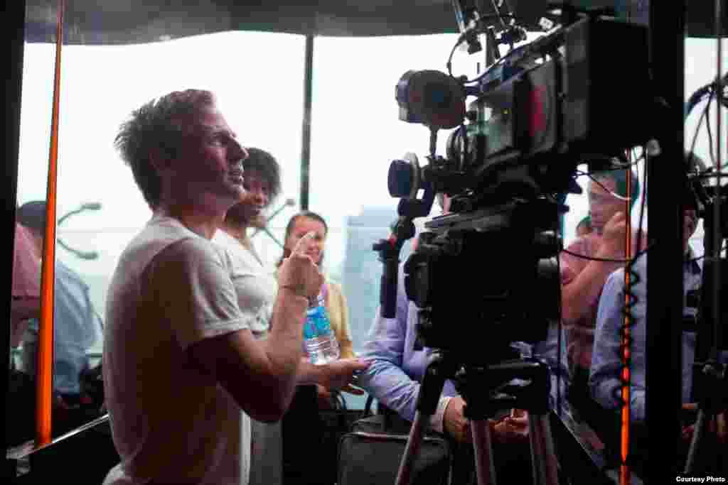 """Spike Jonze mendapat nominasi dalam kategori naskah terbaik untuk filmnya """"Her."""" (Oscars.org)"""