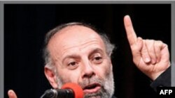دبیر خانه کارگر: بنیاد اقتصاد ایران بر آب است