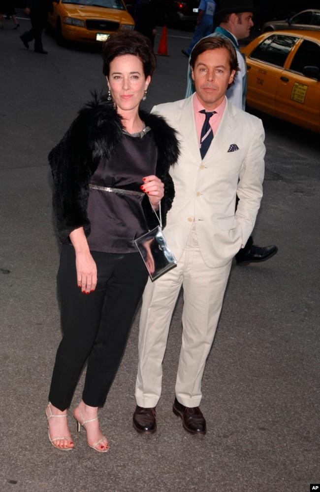 کیت اسپید همراه با همسرش