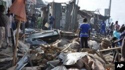 1일 나이지리아 북부 마이두구리 중앙 시장에서 발생한 폭탄 공격 현장.