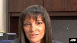Nữ đặc vụ của Cơ quan Bài trừ Ma túy Hoa Kỳ (DEA) Violet Szeleczky