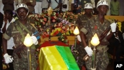 Velório do Presidente João Bernardo Nino Vieira, a 10 de Março de 2009, em Bissau. Vieira foi assassinado por golpistas.
