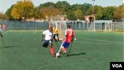 Un grupo de haitianos con incapacidades físicas aseguran que logran mantener una actitud positiva a través del deporte.