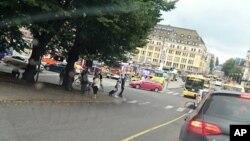 La plaza Market en Turku, Finlandia, donde varias personas fueron apuñaladas el viernes, 18 de agosto de 2017.