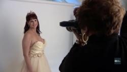 Фотопроект, що допомогає жінкам побачити себе у новому світлі після раку. Відео
