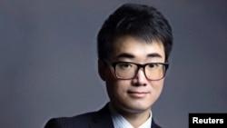 겅솽 중국 외교부 대변인이 21일 홍콩 주재 영국 총영사관 직원 사이먼 정이 '성매매' 혐의를 받고 있다고 밝혔다.