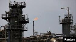 ნავთობის საბადო