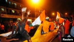 Des supporters ivoiriens dans Abidjan, 8 février 2015.