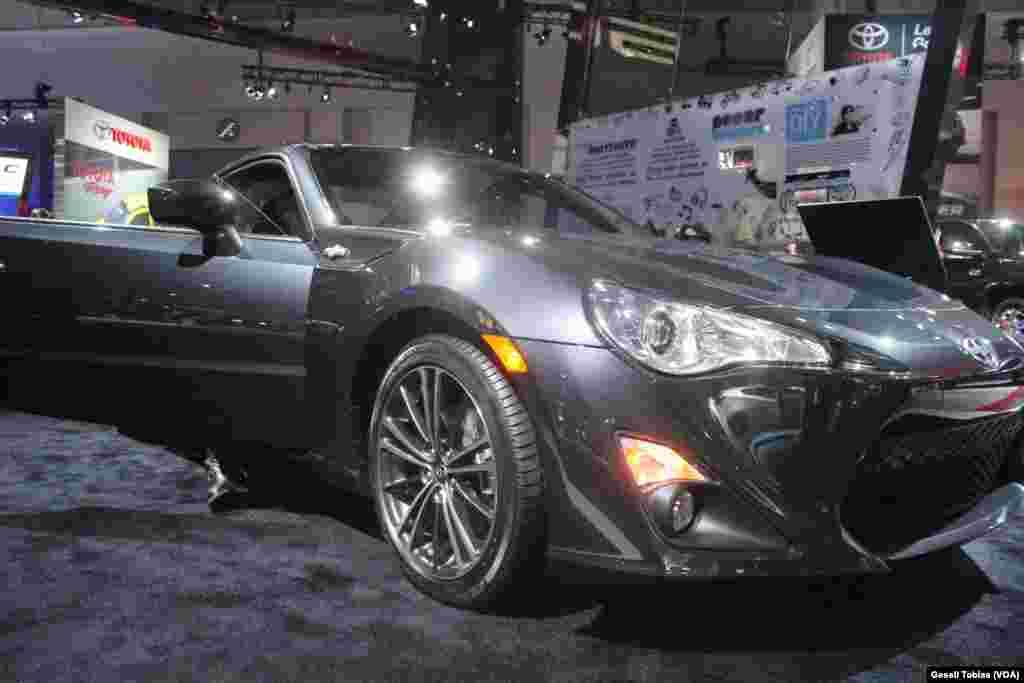 Scion es la oferta para quienes disfrutan de la velocidad pero no quieren invertir grandes sumas de dinero en un automóvil.