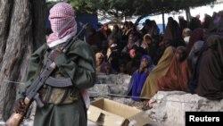 Боевик группировки «Аш-Шабаб» в деревне Була Марер. Сомали (архивное фото)