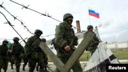 出兵克里米亚半岛的俄罗斯军人。