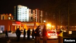 Hotel New York, en Disneylandia París. Un hombre con dos armas y municiones fue detenido cerca de la principal entrada del parque de diversiones.