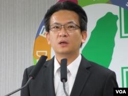 民进党发言人 林俊宪(美国之音张永泰拍摄)