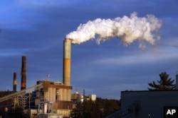 美国新罕布什尔州的一个火力发电站(资料照片)