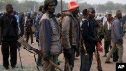 Stanovnici mnogih sela u NIgeriji se organiziraju sami da se obrane od Boko Harama