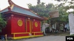 Bangunan Pondok Pesantren Kauman di Lasem, Jawa Tengah dengan arsitektur bergaya China. (Foto: VOA/Nurhadi)