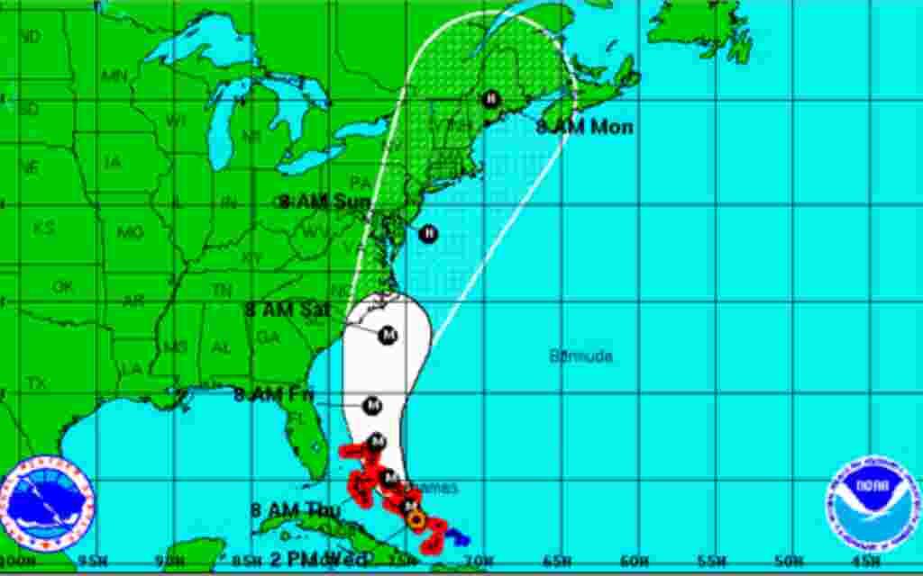 Esta imagen del Servicio Meteorológico de Estados Unidos muestra el camino del huracán Irene, a partir de las 18 pm del 24 de agosto de 2011.