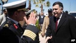 Arrivée de Fayez al-Sarraj à Tripoli le 30 mars 2016.