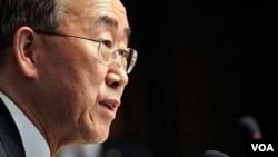 Sekjen PBB Ban Ki-moon mengunjungi Nigeria (22/5).