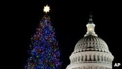 Božićna jelka ispred zgrade Kongresa u Vašingtonu