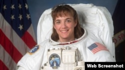 """""""Space Shuttle"""" ekipajının üzvü və Donanma kapitanı Heide Piperi"""