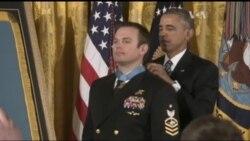 За цей подвиг американський солдат отримав Medal of Honor. Відео