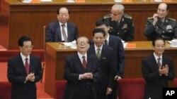 中共前領導人江澤民與現任領導人胡錦濤﹑溫家寶出席紀念辛亥革命100周年大會。