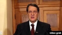 阿納斯塔夏季斯發表全國電視講話
