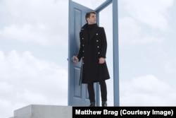 Matthew Brag in Strange Girl in a Strange Land