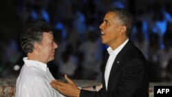 Президент США Барак Обама и президент Колумбии Мануэль Сантос на саммите в Картахене